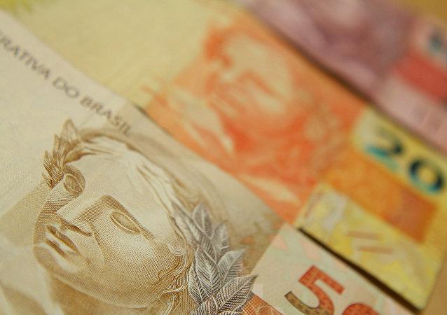 Brasil tem terceira maior taxa de juros reais do mundo atrás de Turquia e Rússia