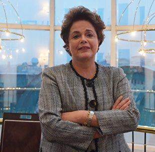 Ex-presidente brasileira, Dilma Rousseff, durante entrevista com Sputnik Brasil em Moscou, 6 de outubro de 2017