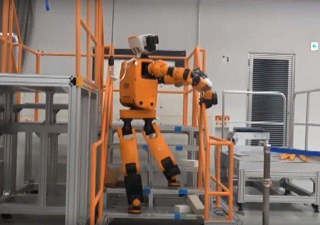 Robô para resgate! Honda apresenta protótipo de robô para salvamento