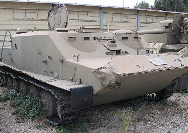 Veículo de transporte blindado BTR-50 (foto de arquivo)