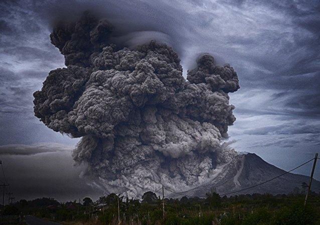 Erupção vulcânica (imagem ulustrativa)