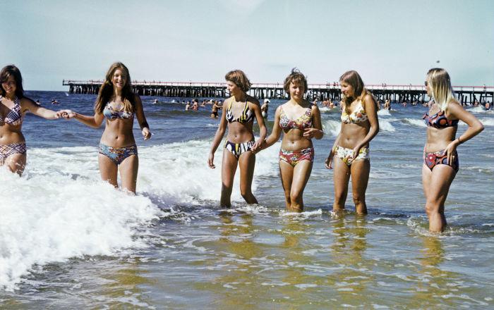 Garotas no mar Báltico, 1980