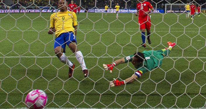 Gabriel Jesus em partida contra o Chile nas eliminatórias da Copa 2018 (foto de arquivo).