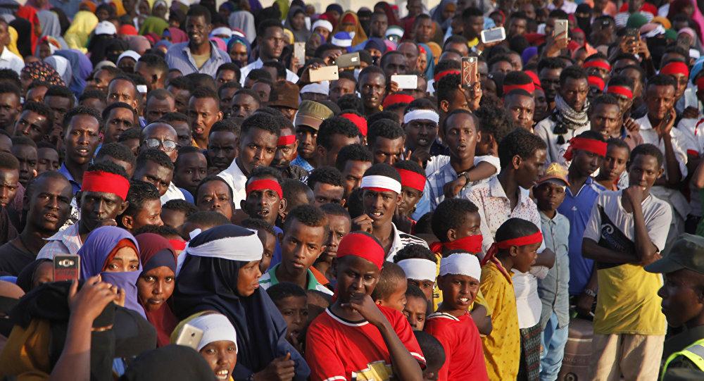 Manifestantes protestam contra atentado terrorista na Somária que matou mais de 300 pessoas em 15 de outubro de 2017