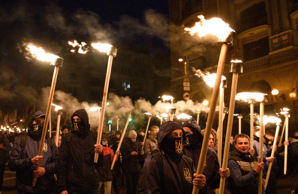 Protestos de radicais em Kiev