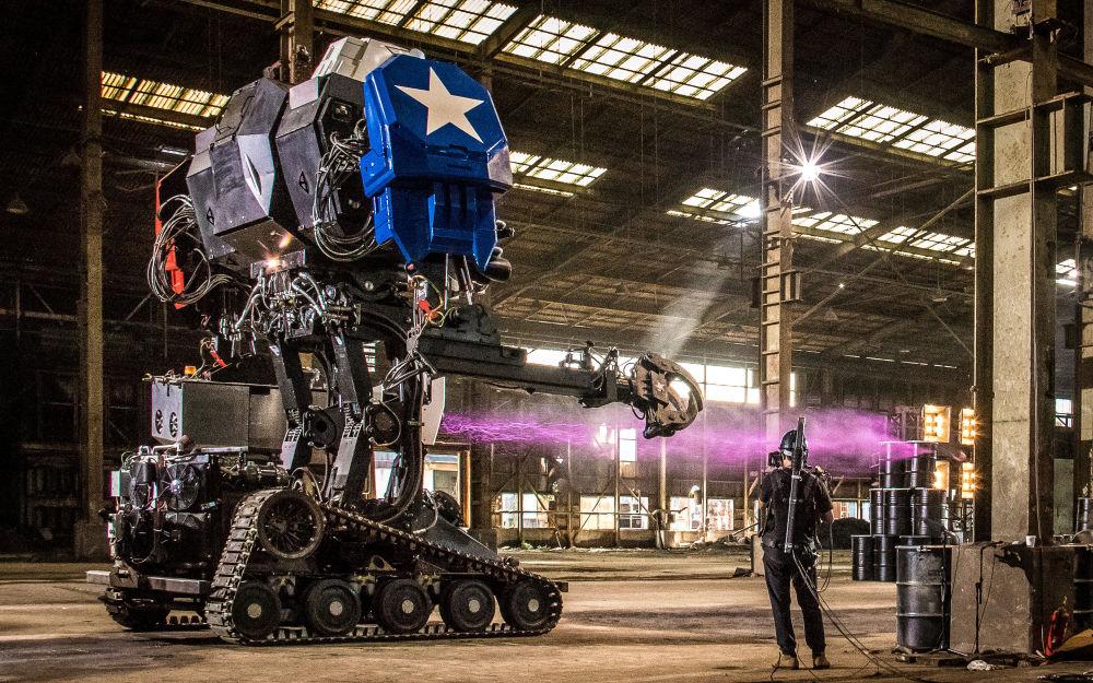 Robô Eagle Prime durante apresentação no Japão