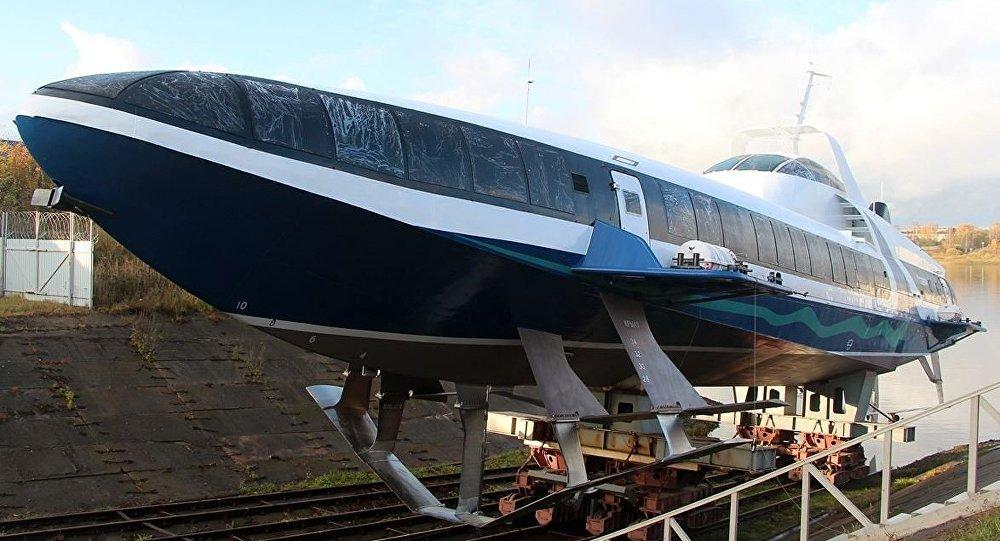 O primeiro barco a hidrofólio Kometa 120M do projeto 23160