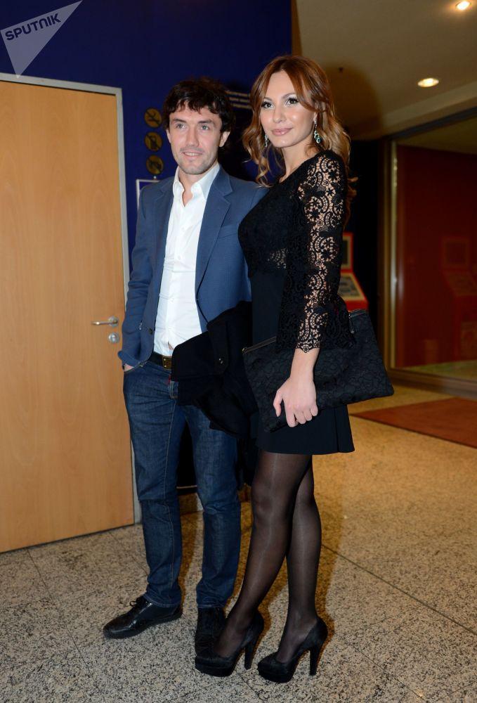 Jogador russo, Yuri Zhirkov com sua mulher Inna