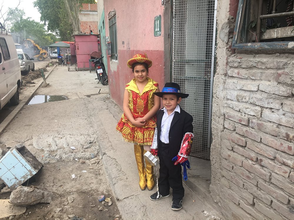 Crianças da Villa 31 prontas para celebrar festa local