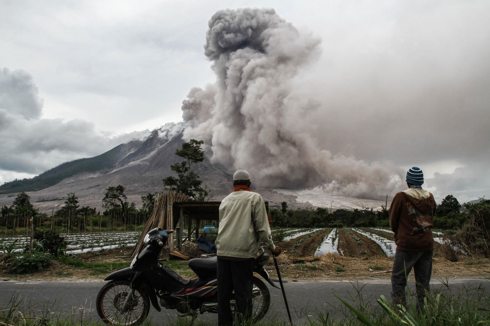 Erupção do vulcão Sinabung, Sumatra do Norte