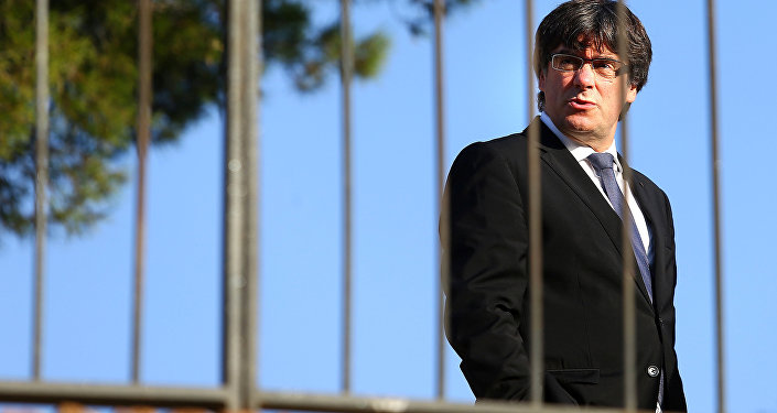 Carles Puigdemont, líder catalão, durante um evento memorial junto ao túmulo do ex-presidente da Generalitat, Lluís Companys em Barcelona (foto de arquivo)