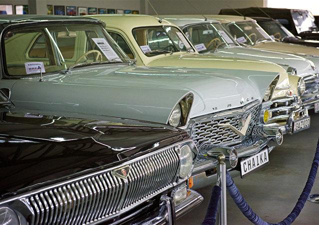 Carros soviéticos (foto de arquivo)