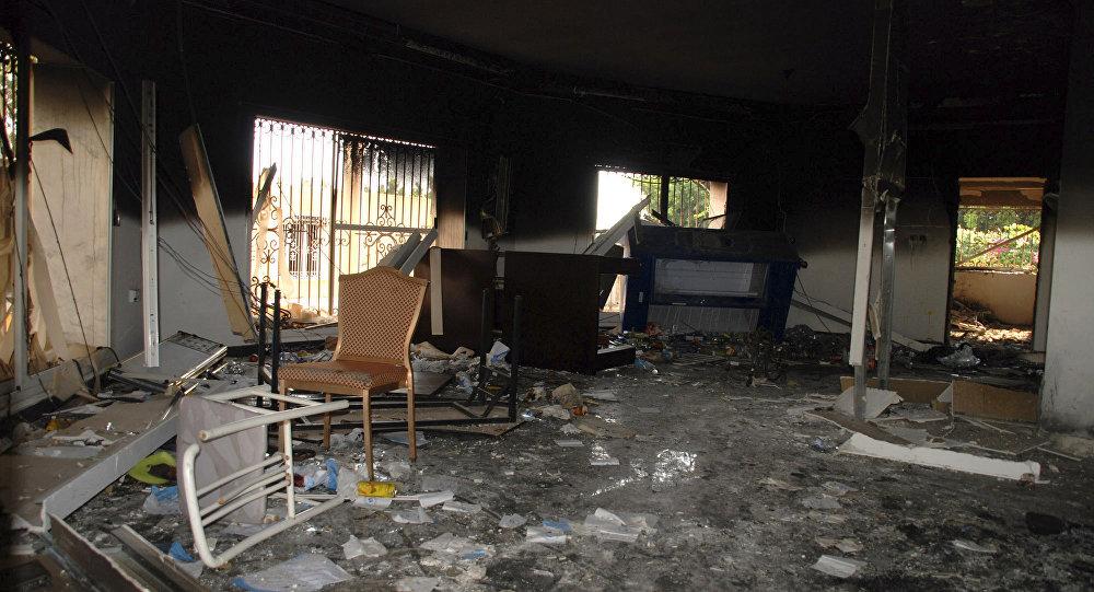 Destroços do Consulado dos Estados Unidos em Benghazi, na Líbia, alvo de um ataque terrorista em 11 de setembro de 2012