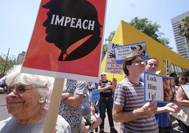 Demonstração destinada para iniciar um impeachment contra o presidente norte-americano, Donald Trump (EUA)