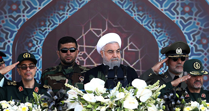 Presidente iraniano, Hassan Rouhani, em um desfile militar em Teerã, Irã, 22 de setembro de 2017