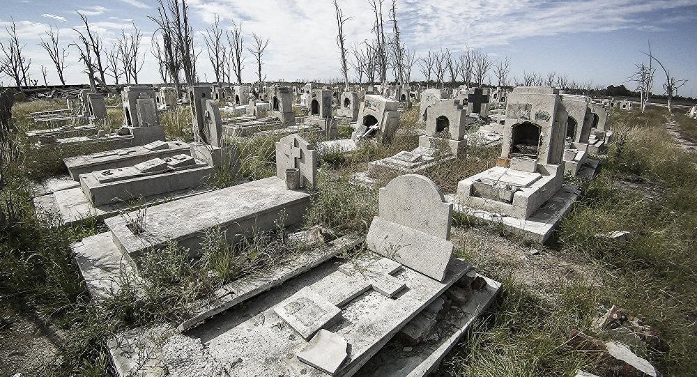 Um cemitério, imagem referencial