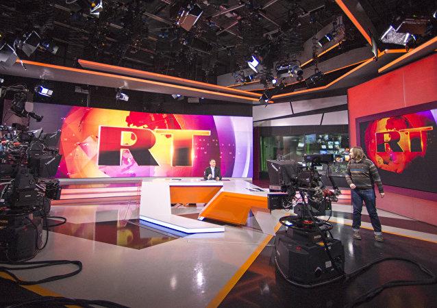 Estúdio de um programa de notícias do canal russo RT