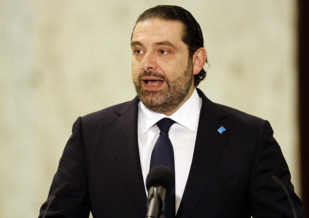 Saad Hariri falando com jornalistas depois de ser nomeado premiê libanês, novembro de 2016