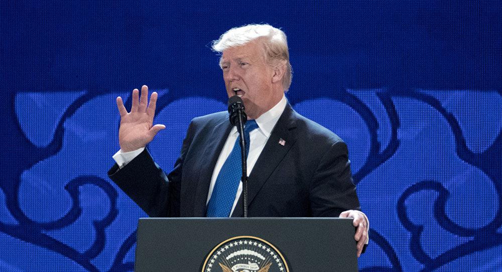 O presidente dos EUA, Donald Trump, durante seu discurso na XXV Cúpula da APEC realizada na cidade de Danang (Vietnã) em 10 de novembro de 2017