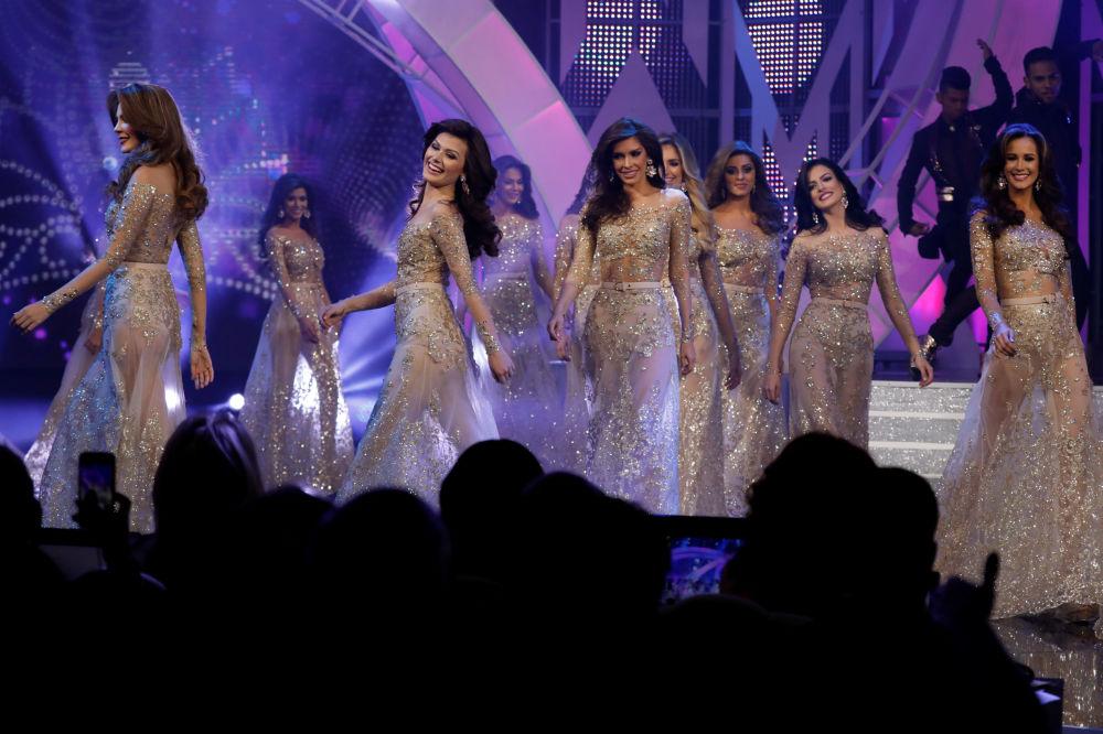 Concorrentes durante a competição Miss Venezuela 2017 em Caracas, em 9 de novembro de 2017
