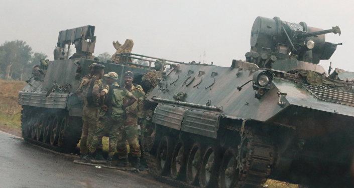 Militares cerca de Harare capital de Zimbabue