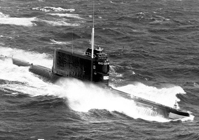 Um submarino da classe 629, da mesma classe que o K-129