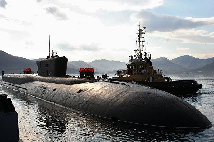 Submarino nuclear russo Vladimir Monomakh de classe Borei