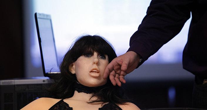 Boneca Roxxxy em tamanho real, exposta em Las Vegas
