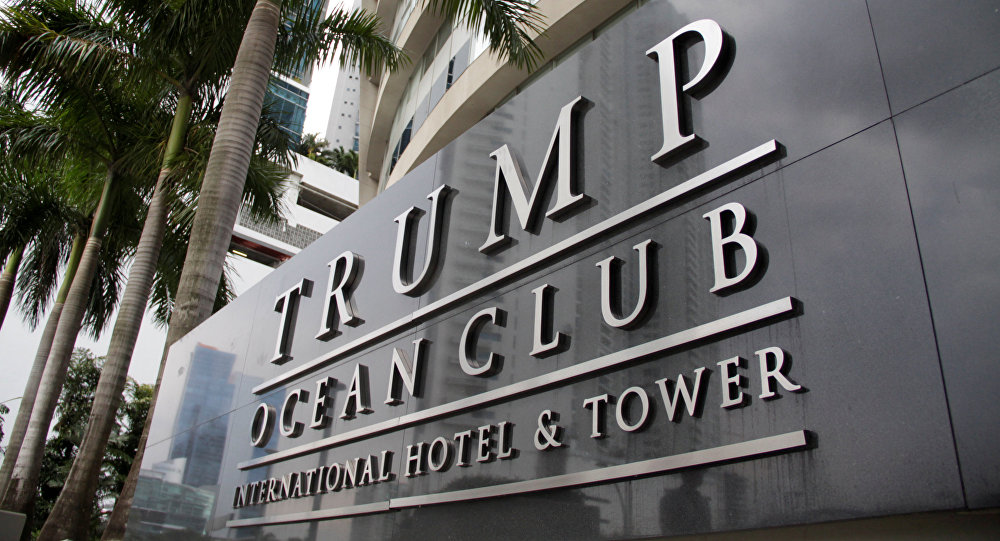 Placa do hotel de Trump no Panamá (foto de arquivo)