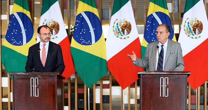 Os ministros Luis Videgaray, das Relações Exteriores do México, e Aloysio Nunes, das Relações Exteriores, durante entrevista coletiva no Palácio Itamaraty