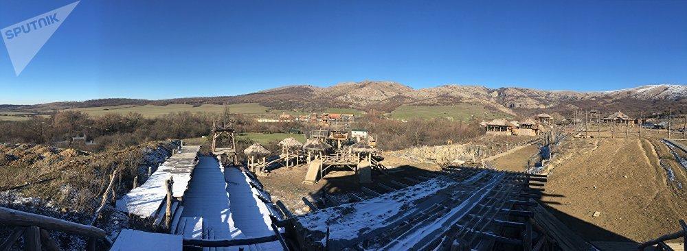 Vista panorâmica do parque Viking, na Crimeia