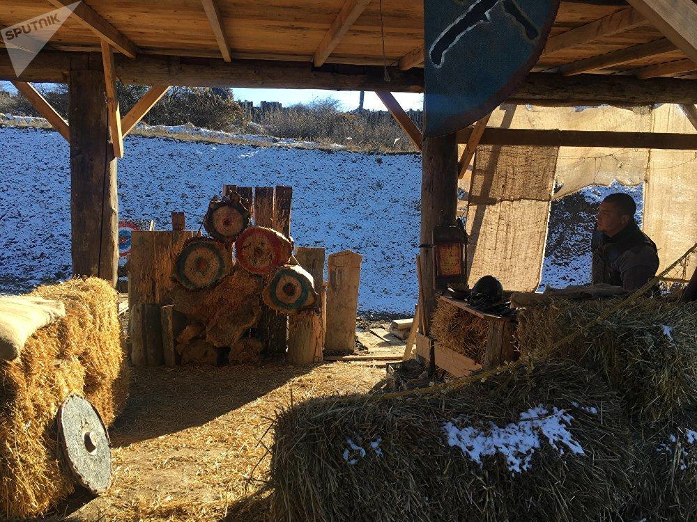 Um dos lugares de entretenimento no parque Viking que representa os passatempos da época