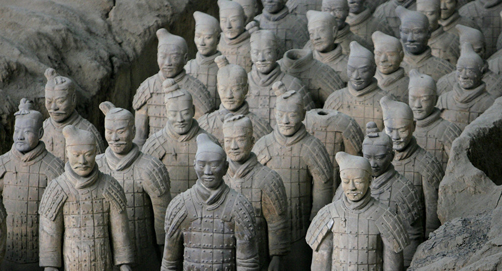 Exército de terracota no museu nos arredores de Xian, China