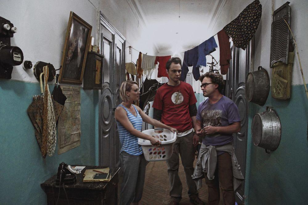 Heróis do Big Bang: A Teoria em um apartamento comunitário