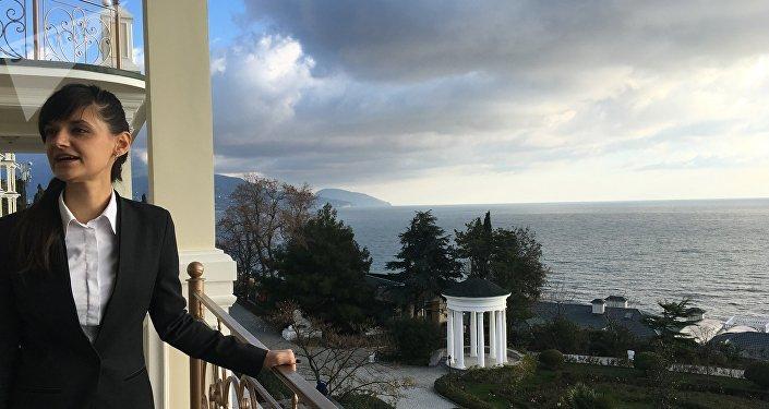 Vista da varanda grande do hotel Palmira Palace, na cidade de Yalta